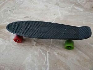 Penny Skateboard cm. 57 nero ruote colorate + sacca a tracolla porta skate