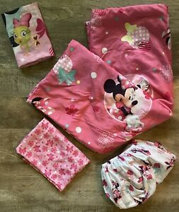 Minnie Mouse 4 Piece Toddler Bed Set Quilt 2 Sheets Pillow Case Girl Pink