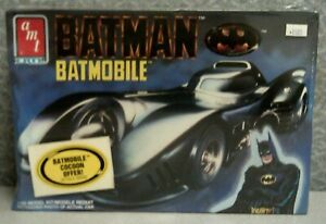 BATMOBILE MODEL KIT - 1/25 SCALE - BY AMT ERTL - YEAR 1989 - SEALED
