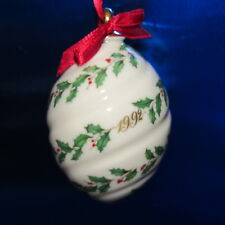 Lenox 1992 Annual Holiday Ornament Holly & Berries in Box ~ (1Zj)