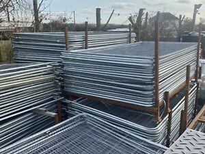 HERAS TEMPORARY FENCE PANELS GALV ROUND TOP USED PACK OF TEN