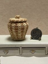 Dollhouse Miniature Artisan Urn Shaped Wicker Basket with Lid EXCELLENT! 1:12