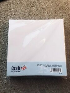 "Craft UK  8""X8"" WHITE STRAIGHT CARDS (300GSM) & ENVELOPES(100GSM)-25 PK-SCORED"