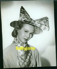VIRGINIA MAYO VINTAGE 7X9 PHOTO TAKEN BY BERT SIX HAT FASHION PORTRAIT