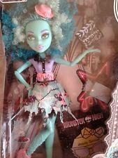 Monster high doll Honey Swamp Hauntlywood BNIB