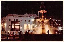 B95612 pileta en la plaza de armas lima peru