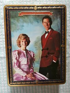 Prince charles and lady diana Jigsaw waddington limited edition in tin 500 piece