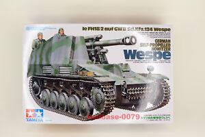 Tamiya Model 35200 1/35 WWII German Self-Propelled Howitzer WESPE