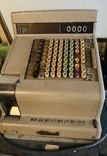 Ancienne caisse enregistreuse NATIONAL 1950/60 , de commerce...industriel...