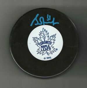 Grant Fuhr Signed Toronto Maple Leafs Vintage Logo Puck Signed In Blue