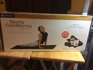 GAIAM · 95-9124 Sports Conditioning Yoga Kit Complete Power Yoga Studio w/ props
