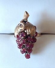 14K Gold 22 Rubies Grape Cluster Ring Vintage Excellent Condition, Size 6 1/2
