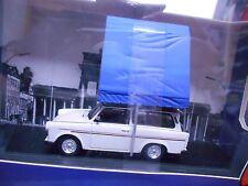 TRABANT 601 Universal hell grau / mit Dachzelt blau Camping 1980  IST IXO 1:43