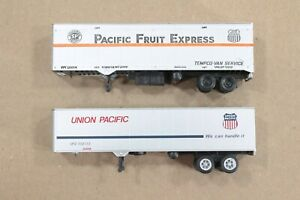 HO Athearn / Con-Cor Union Pacifc / Pacific Fruit Express 40ft TOFC Trailers