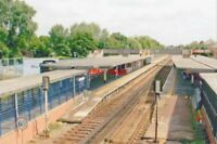 PHOTO  TWICKENHAM RAILWAY STATION MIDDLESEX 2005 LSWR WATERLOO - RICHMOND - STAI