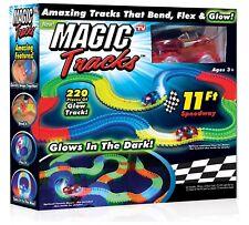 Magic pistas Hazlo tú mismo 220 brillan en la oscuridad LED luz auto de carrera Flex Speedway pista