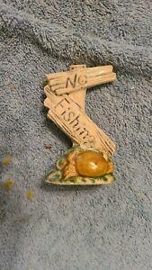 """""""No Fishing"""" aquarium sign post decoration - porcelain ceramic with crab 4 inch"""
