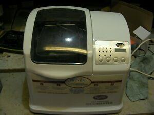 Used Breville bread maker makes 2LB loaf or dough