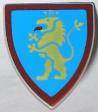 LEGO - Minifig, Shield Triangular with Lion Standing Yellow, and Blue Background