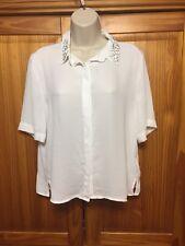 Brand New HM Ladies Pretty White Short Sleeve Blouse - Size 8