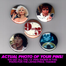 """9 TO 5 / DOLLY PARTON - 1.5"""" PINS / BUTTONS (vintage movie poster print badge)"""