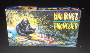 Polar Lights Model Kit King Kong's Thronester #5016