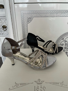 NEW GIRLS SPARKLY SANDALS STRAPPY SHOES 2.5 INCH HEELS BLACK SILVER SIZE  UK11-2