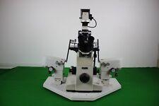 Nikon DIAPHOT Microscope inversé avec LEITZ micromanipulators