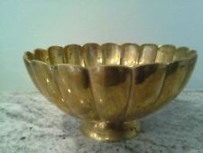 "Beautiful 8"" Brass Bowl - Ribbed Shell Pattern"