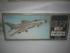 1/72 SU-7  avion de chasse  PLASTICART RARE