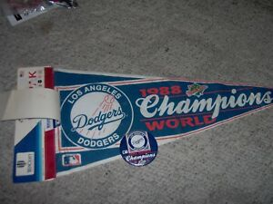 1988 Dodgers World Champs Team Fan  Pennant /Sticker/ Button Unremoved from Tag