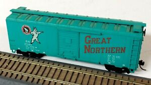 HO Scale Athearn Great Northern Jade Green 40' AAR Steel Box Car, Kadee Couplers