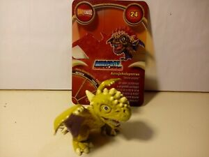 Personaggio KERAJEHOLOPTERUS N° 24 Dinofroz Combact 3ª Serie + Card