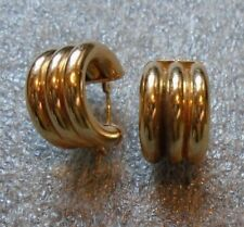 fine  14K yellow gold C circle pierced earrings