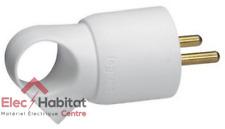 Fiche plastique 2P+T 16A blanc à anneau Legrand 50420