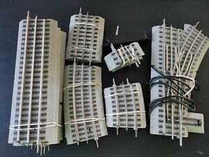 SMALL LOT OF (O) 27 GAUGE LIONEL FAST TRACK