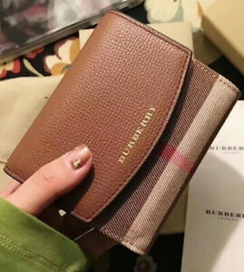 100% AUTH Brand New Burberry house check Small Wallet