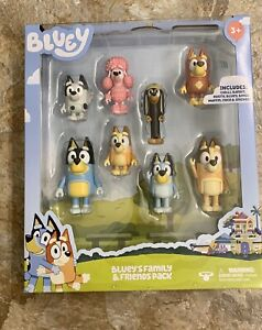 *NEW* BLUEY FAMILY AND FRIENDS 8 Figure Pack CHILLI BANDIT COCO SNICKERS Dog