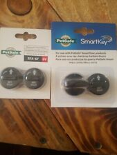 PetSafe Electronic SmartKey for use with SmartDoor PAC11-11045 With 2 Extra Batt