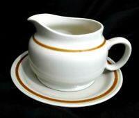 HIGHLAND FLORALS COLLECTION GENUINE STONEWARE BROWN BAND GRAVY SAUCE BOAT +PLATE