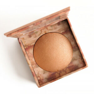 Urban Decay Naked Illuminated Shimmering Powder For Face And Body Made In Italy
