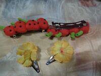 lot= 4 barrettes cheveux femme,fillette,fraises tissus, et fleurs
