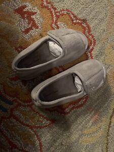 Daniel Green Womens Tara II Open Toe Slip On Slippers, Gray, Size 7W