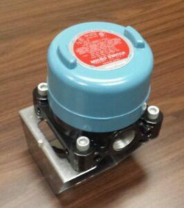 New Honeywell Micro Switch 12CX200