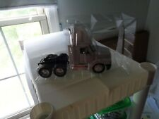 1/32 NEW RAY DIECAST & PLASTIC FREIGHTLINER CENTURY CLASSIC , NO PACKAGING # 660