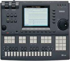Yamaha Qy700 État neuf tout fonctionne parfaitement. Full working.