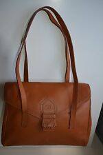 Vintage Burberry Ladies shoulder tote hand Bag tan leather