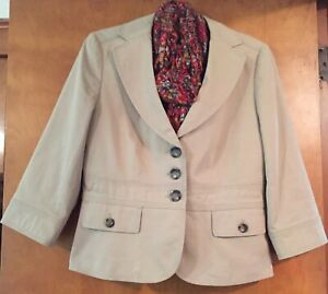 Ann Taylor NWOT Khaki 3 Bottoned 2 Pocketed  Front 3/4 Sleeves Lined Blazer Sz 8