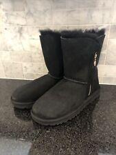 Women's UGG Bailey Zip Short Black  Boots- size 8- #1112480