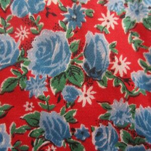 50cm x 92cm Blue Rose Red Twill Weave Vintage Cotton Sewing Fabric 1960s Retro